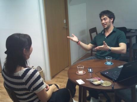 オリジナルの英語自己紹介を作りましょう!バイリンガルと英会話!スカイプを利用してオンラインで!