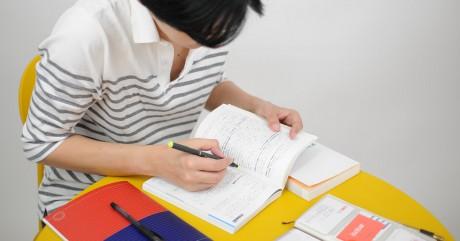 学校や予備校で習った英文法が、流暢な英語を話すことを邪魔しているかも? オンラインで英会話。スカイプでバイリンガルと!